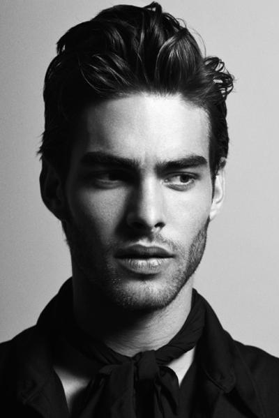 Model für Haare in Schwarz Weiss